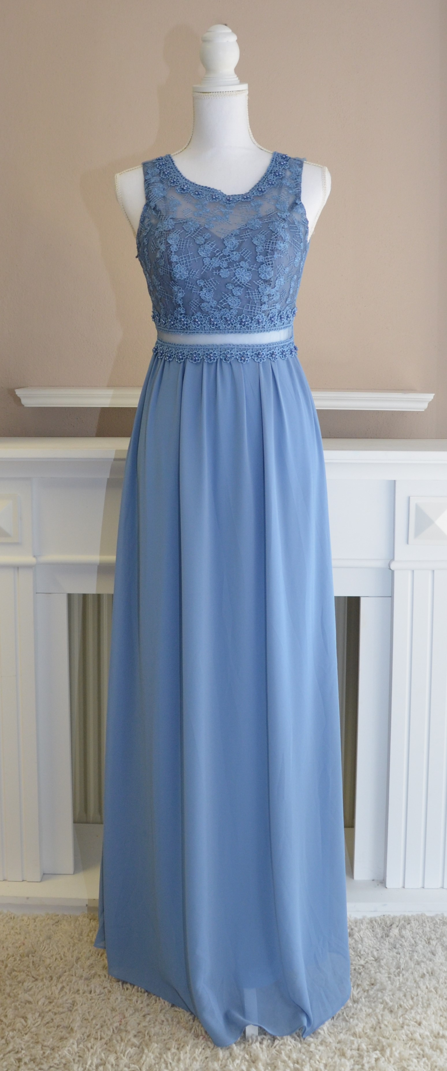Abendkleid in Taubenblau
